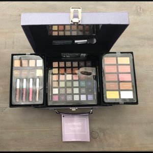 Ultra Beauty Sparkle & Shine 65 pc Collection Case